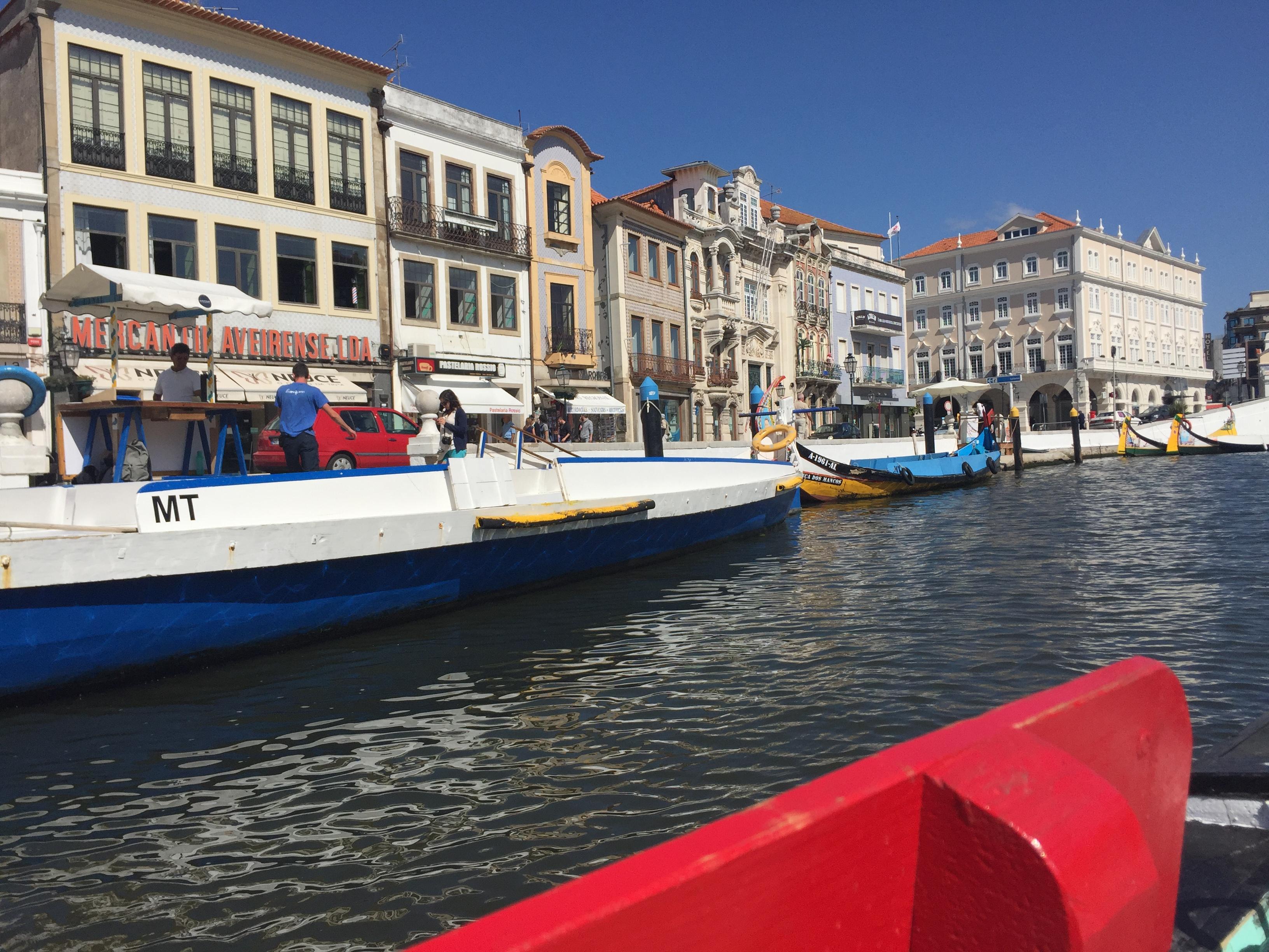 Paseo por los canales de Aveiro